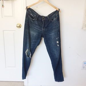 BRAND NEW Abercrombie Boyfriend Jeans